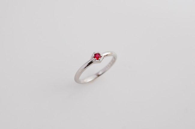 お母様へ還暦祝いのルビーの指輪