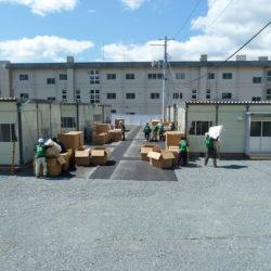 仮設住宅へ搬入作業