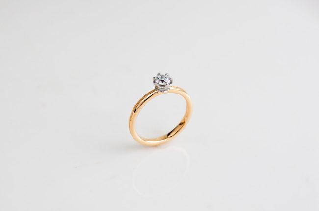 妹の婚約指輪