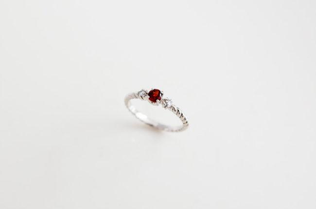 お母様への還暦指輪 ガーネット&ダイヤモンド