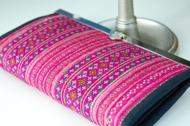モン族の刺繍財布