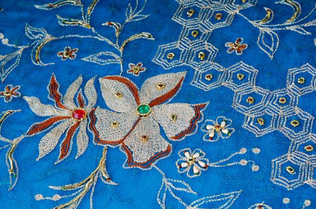 インドのハンピで購入したインド刺繍の布