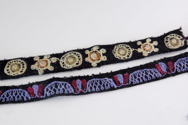 チバイ村で購入した刺繍のミサンガ