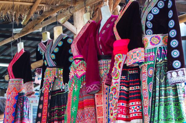 モン族の民族衣装(レンタル衣装)