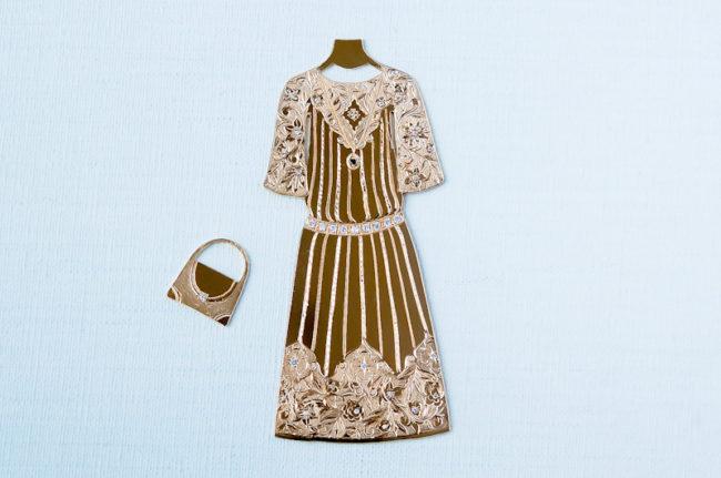 和彫りのドレス