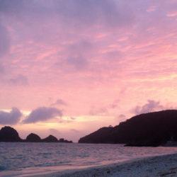 阿真ビーチからの夕日