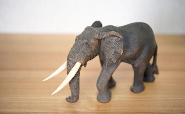 ゾウのオブジェ