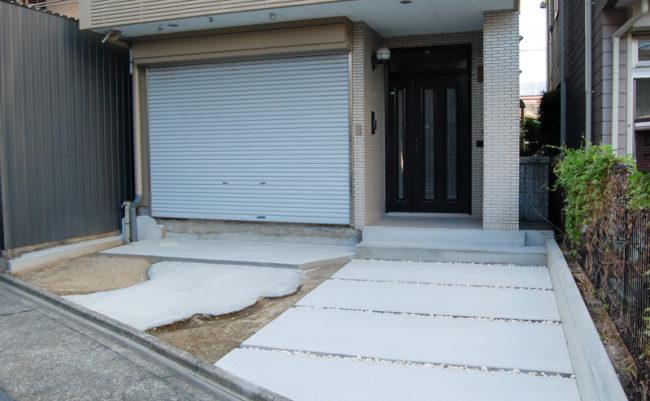 駐車場と入り口部分のベース完成