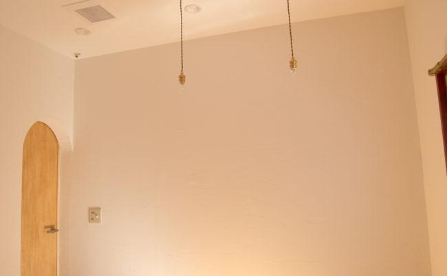 壁を塗りました。