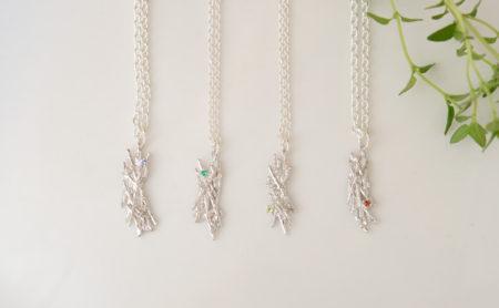 鳥の巣の小枝ネックレス
