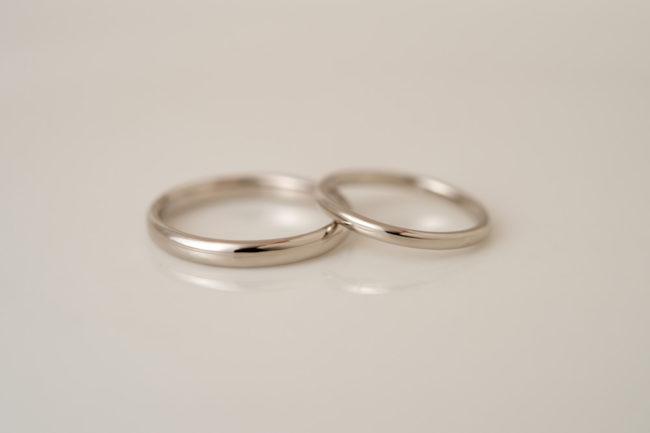 すっきりシンプルなK18WG結婚指輪
