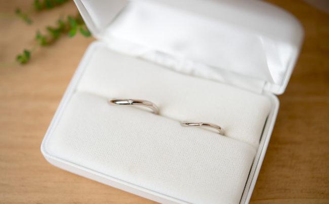 波ラインのK18WG結婚指輪