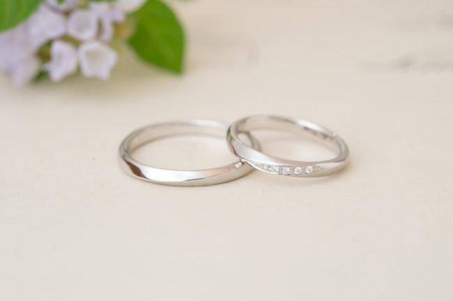 ひねりのあるプラチナの結婚指輪