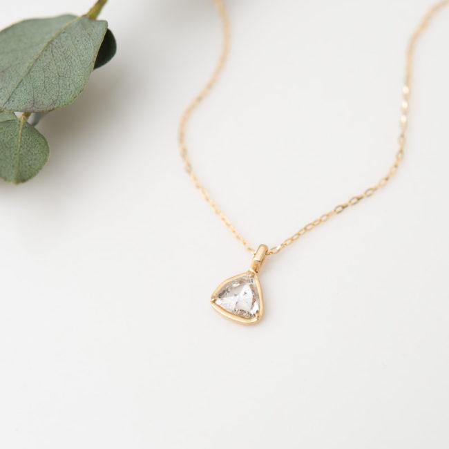 ローズカット トライアングル ダイヤモンド K18YG ネックレス