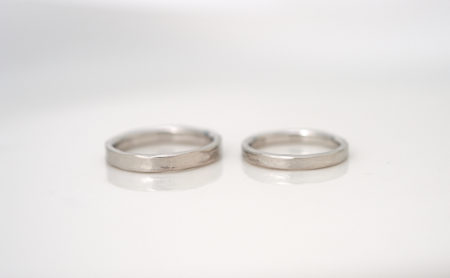 自然な風合いのプラチナ結婚指輪